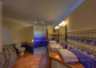 Master bathroom Casa Paraiso