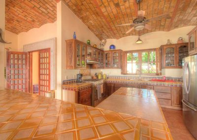 Open kitchen Villa Custodio